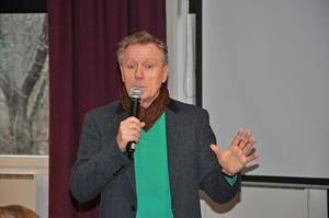 Museipedagogen Leif Östman från Hallwylska museet fick rungande applåder efter ett intressant föredrag hos PRO Nynäshamn. Foto: Johnny Jansson