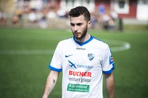 Amaro Bahtijar trivs i nya tröjan: