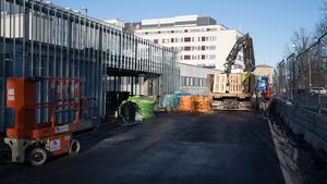 De sista arbetet läggs på parkeringsgaraget dessa sista februariveckor.