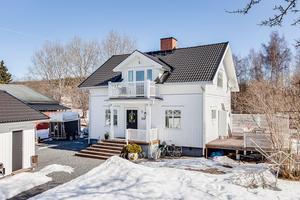 Denna villa på Hönsarvsgatan i Borlänge var det åttonde mest klickade dalaobjetet på Hemnet under förra veckan.  Foto: Kristofer Skog/Husfoto