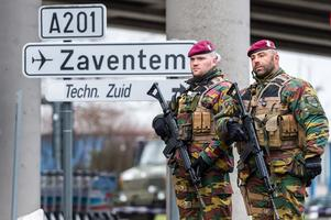 Belgiska armén patrullerar nu bland annat på flygplatsen.