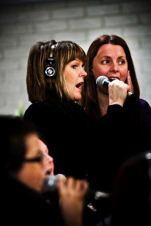 Spectra Gospel hade känslan från julkonserten kvar i kroppen och samspelet fungerade direkt med Joshua Nelson.