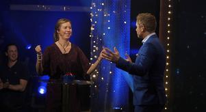 Mia Eriksson representerade sin svärmor och vinstsumman blev 400 000 kronor. Foto: Johan Carlén