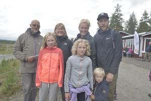 Bengt Ahlén, Saga Drottz, Kicki Ahlén och Selma, Linda, Samuel och Tommy Drottz från Uddevalla var några av lördagens många besökare.