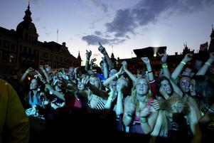 Ösig publik på Gatufesten 2005. Foto: Nils Jakobsson