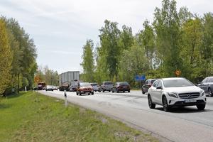 Det uppstod en del trafikproblem vid olycksplatsen under räddnings- och bärgningsarbetet.