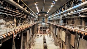 Interiör från en av torrdockorna på Musköbasen. Fotot är taget 1999, då pressen fick fotografera valda delar i anläggningen. Foto: Lennart Nygren/TT