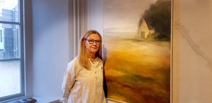 Ingela Penje gillar att arbeta med olja, akvarell, collage, betong, metall och handgjort papper.