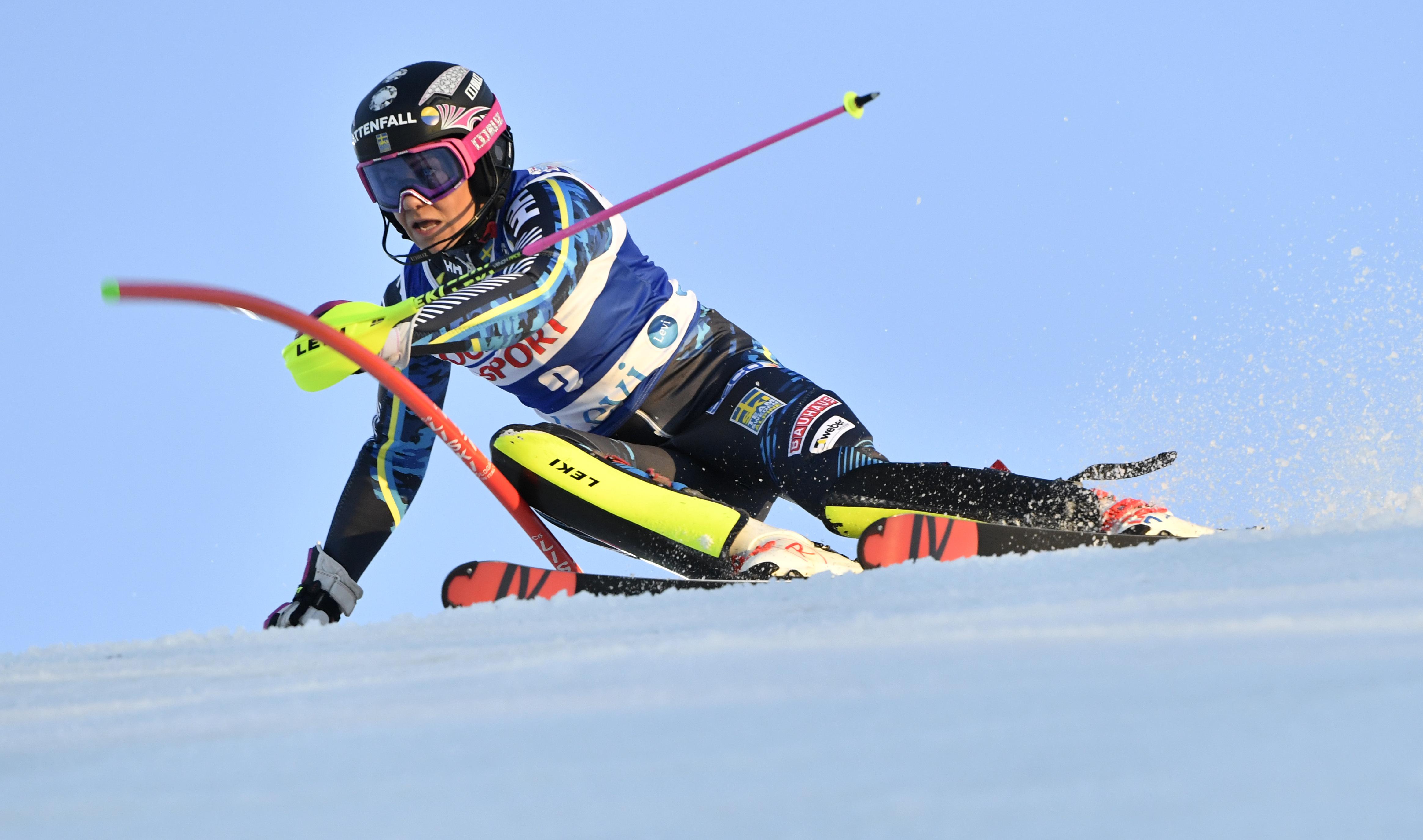 Hansdotter fyra i slalompremiaren