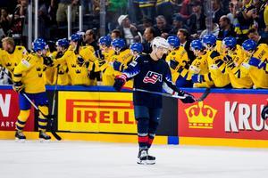 Det blev deppigt för Derek Ryan och USA i semifinalen mot Sverige. Foto: Ludvig Thunman / Bildbyrån