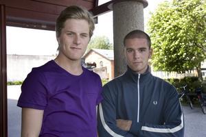 """idrottare. Alexander Sjöblom, 17, ska inte dricka på skolavslutningen och Jonathan Bergström, 18, har inte bestämt sig. """"Jag tror att de flesta på gymnasiet dricker för att de vill, men grupptrycket är säkert hårdare mot yngre"""", säger Alexander Sjöblom."""