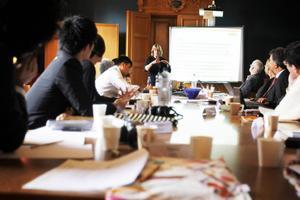 Maria Bogren pratar om kvinnligt företagande på en svensk-japansk workshop på Mittuniversitetet.