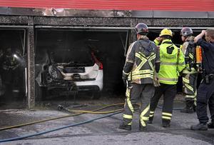 Scenerna efter en garagebrand i Sätra 2016. Bild: Roger Nilsson