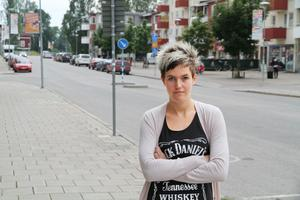 Therese Hellström hamnade i konflikt med Veronika Kindström och fick senare sparken.