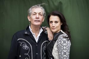 """Artisten Jill Johnsson upptäckte Doug Seegers 2013 och avsnittet av tv-programmet """"Jills veranda"""" med sångaren sändes i mars 2014. Foto: TT/Nora Lorek"""