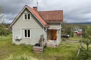 Renoveringsobjekt med utsikt över Bjustjärnen. Foto: Andreas Timfält
