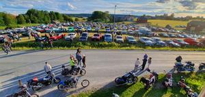 226 bilar deltog i årets veteranbilskaravan, förra året var det 210.  Foto: Privat