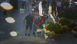 Den 25-årige nazisten från Tierp greps av civilklädda poliser. Bild: Polisens utredning