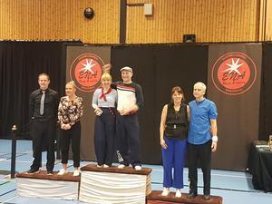Lars och Helen Brunnström tog hem förstaplatsen i  Boogie Woogie 35+ B.