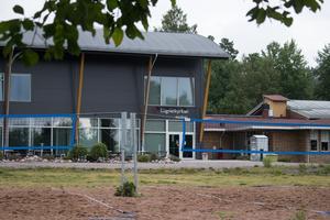 Lugnetkyrkan, som hör till Evangeliska frikyrkan, låg tidigare på Elsborg och hette då Elsborgskyrkan. Församlingen har cirka 400 medlemmar.