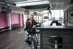 Fredrik Lindh öppnar en ny pasta och salladsbar i den inglasade ytan ovanför Holmgatan.