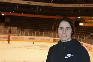 SDHL:s poängligavinnare Michela Cava fokuserar bara på kvartsfinalspelet mot  Brynäs och inte så mycket på framtiden.