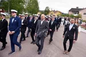 Omkring 65 studenter tågade genom Älvdalen.