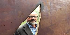 Konstnären Göran Strandow i Sandarne  har gjort en skulptur av en stabbläggare till Bruksparken i Sandarne. Den kommer att invigas i vår.