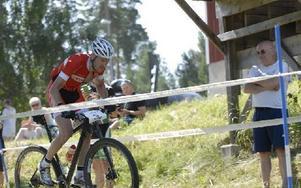 Fredrik Ericsson vann han Birkebeinerrittet, världens största MTB-tävling, efter en rasande snabb spurt. Foto: