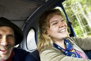 Ur en citroënförares ögon. Tidningen tog en mysig tur i Sven-Erik Hjalmarssons lilla 2CV, och det var inte som att köra vilken bil som helst... Foto:Stina Rapp