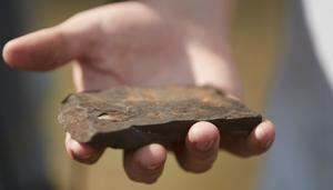 Värmländska Asera Mining AB hoppas kunna hitta det sällsynta grundämnet vanadin på Vanberget. Metallen kan till exempel  kallvalsas till trådar. Foto: Andreas Hillergren/TT