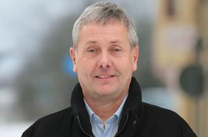 Hur många av alla dessa medarbetare som köpts ut från oss på Hallsbergs kommun har gjorts det av särskilda skäl, och hur många för att de var långtidssjuka? frågar sig oppositionsrådet Torbjörn Appelqvist (M)