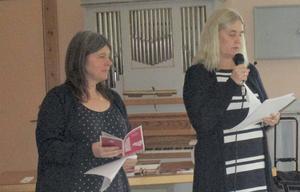 Kristin Björklund och Kristina Hedlund informerade om vad biblioteket har att erbjuda. Foto: Roland Norrman