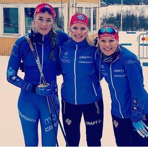 Emma Larsson, Johanna Andersson och Judith Dolleris körde hem silvret till IFK i Mora i damstafetten.Foto: IFK Mora