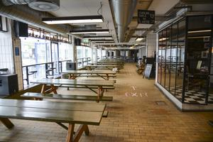 Tomt på bryggeriet Mikkellers restaurang i Kødbyen i Köpenhamn när danska restauranger för första gången på två månader får ta emot gäster.