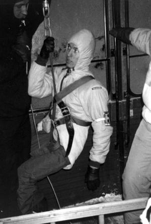 Johan Hägglund, Östersund, tog på sig att vara den första passageraren som firades ned.
