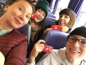 I veckan träffades konstnärerna för en första forskningsvecka och de började med att åka buss till Mattmar.