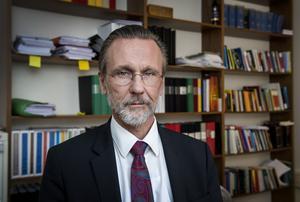 Tomas Olsson är advokat för den misstänkte mannen med anknytning till Strömsund. Foto: Marcus Eriksson / TT