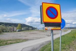 Politikerna rev upp tjänstemännens förslag att stoppa anordningen av ställplatser för husbilar på grusplanen nedanför Jamtli.