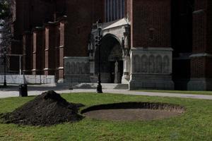 """En utgrävning från utställningen """"Nåd"""" som pågår i Uppsala. Av konstnären Tobias Sjöberg. Foto: Privat"""