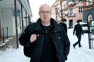 John Åberg (S) tror på schemalagd skollunch med närvaroplikt.