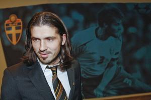 Den före detta fotbollsspelaren och numera expertkommentatorn Bojan Djordjic spelar i Vi lirare. Bild: Andreas Hillergren / TT