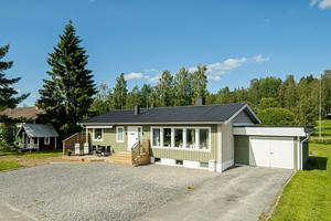 Det här huset i Kroksta i Örnsköldsvik har sålts för 2 130 000 kronor. Foto: Svensk Fastighetsförmedling