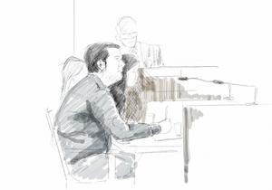 Den spanske läkaren, här tecknad under rättegången i Stockholms tingsrätt hösten 2018.