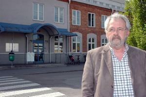anmäler. Freddie Eriksson, myndighetschef inom socialtjänsten, vill att länsstyrelsen granskar agerandet hos två högre chefer.