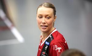Lina Svarfvar utgick skadad i den SM–semifinalen.
