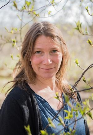 Foto: Annica Roos, Naturhistoriska riksmuseet.Pia Östensson är pollenexpert och intendent på Naturhistoriska riksmuseet.