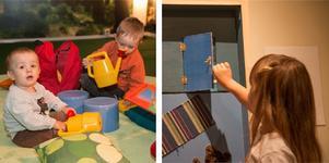 I Konsthallen på Nynäshamns bibliotek kan man se lekutställningen Knacka på! fram till den 7 september. Här får barnen leka sig igenom sagan.