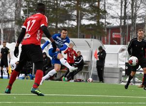 Anders Johansson var pigg och skapade en rad chanser för IFK Mora i premiären – dock utan att hitta nätet.