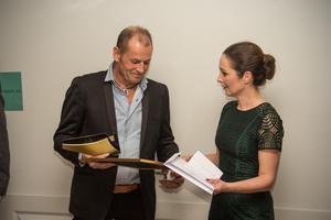 För företagets stora utveckling inom industribyggbranschen vann de priset som årets företagare i Fagersta kommun.